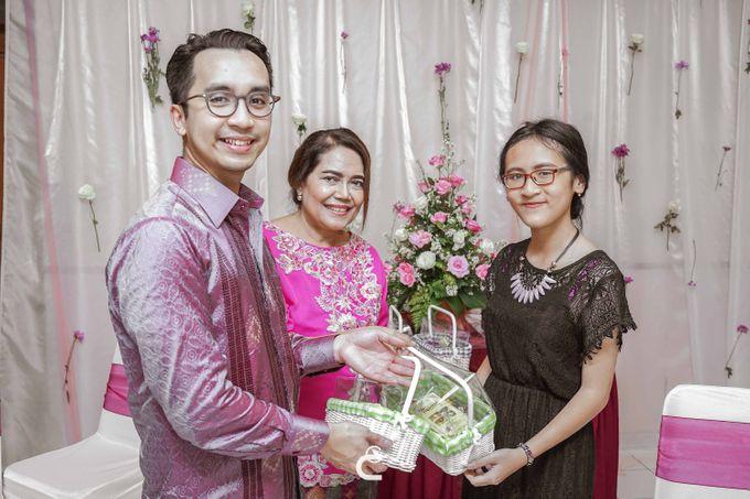 Engagement of Yoshi & Marcia by Glenn Chandra Wedding - 020