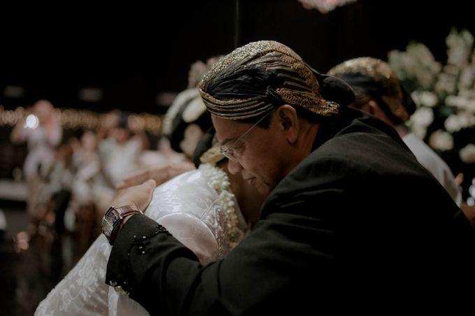 Devita & Ivan Wedding by Casablanca Design - 028