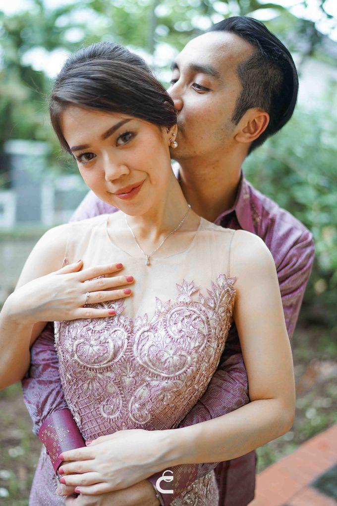 Engagement of Yoshi & Marcia by Glenn Chandra Wedding - 024