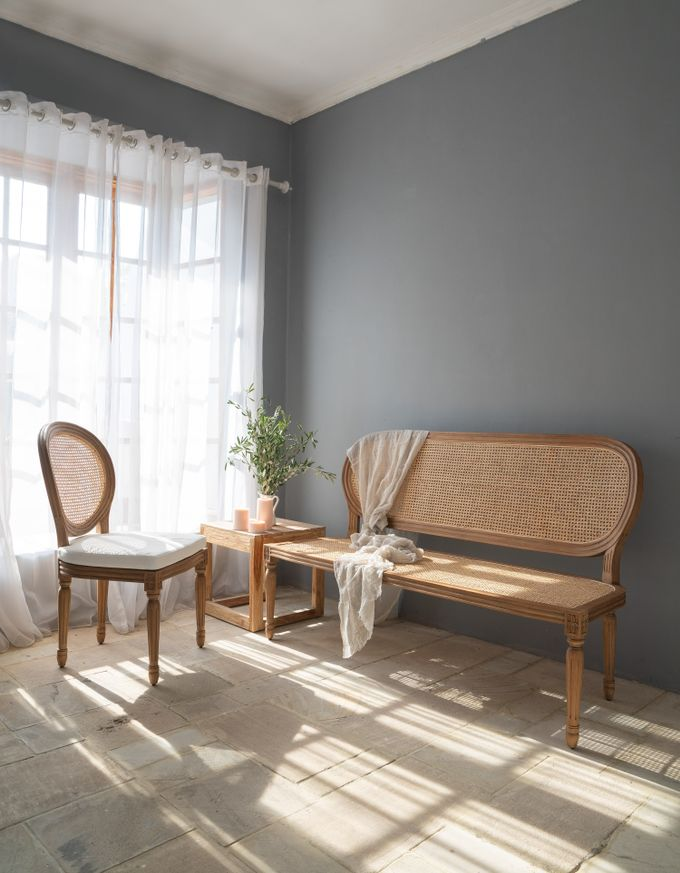 Louis Chairs and Bench Set by Le Scarlet Rental - 007