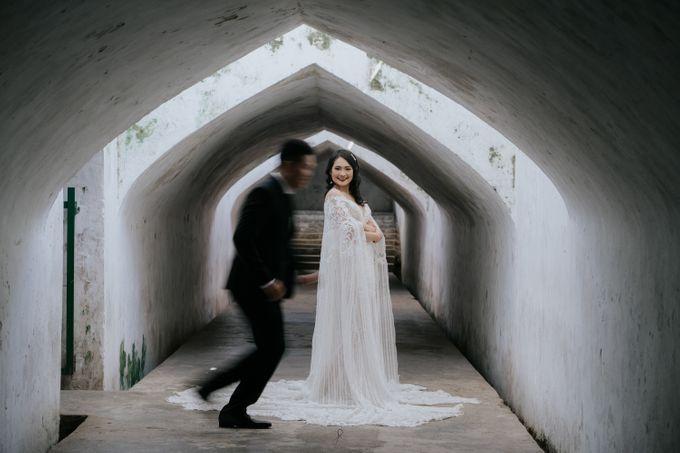 Jogja Prewedding Stanley & Juwita by AHENjunius Photography - 036