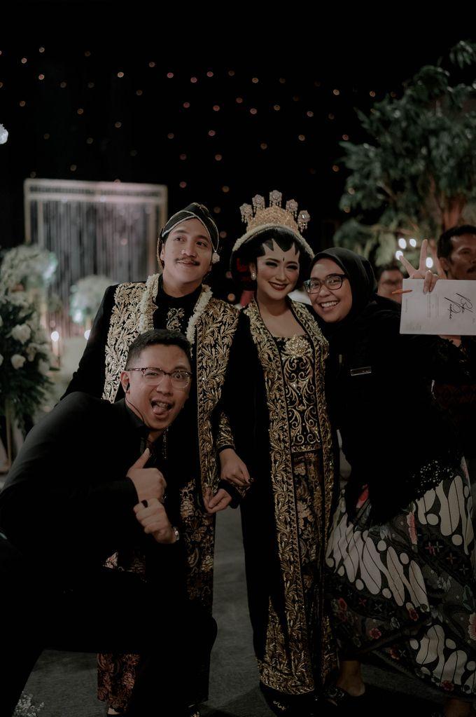 Devita & Ivan Wedding by Casablanca Design - 032