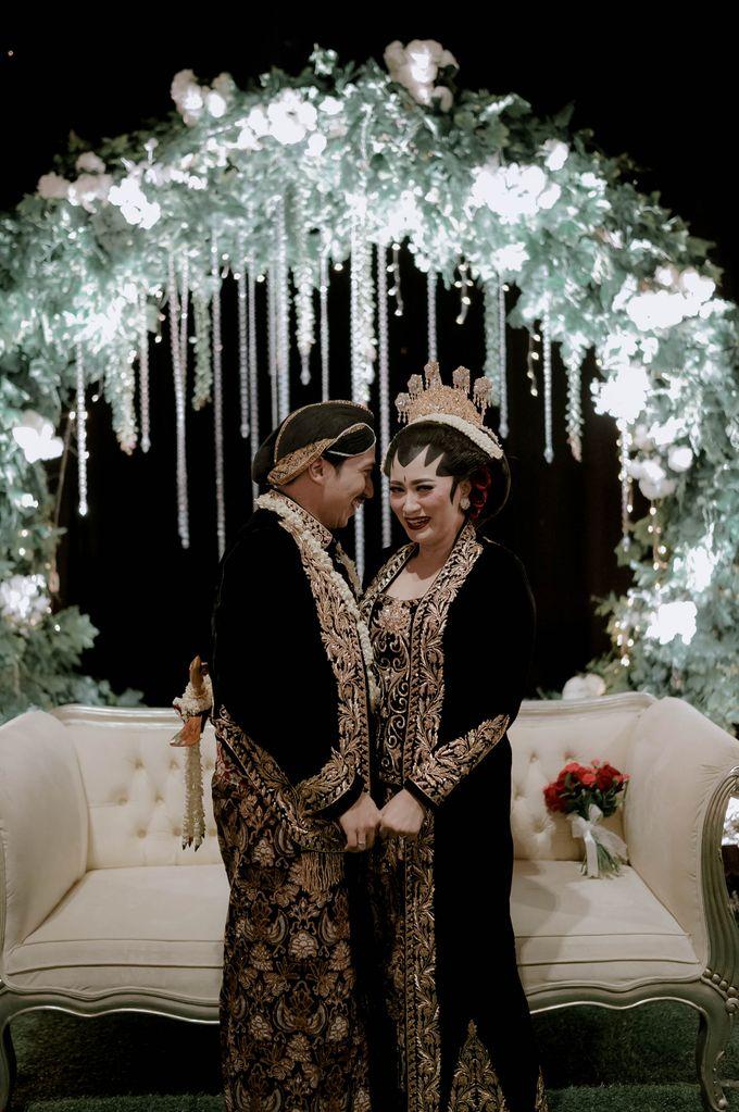 Devita & Ivan Wedding by Casablanca Design - 043