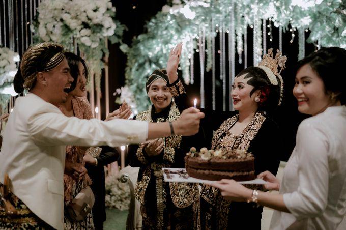 Devita & Ivan Wedding by Casablanca Design - 045