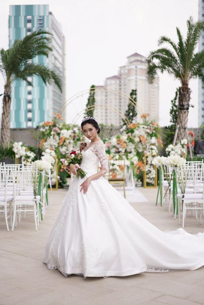 Outdoor Wedding at Holiday Inn & Suites Jakarta Gajah Mada by Holiday Inn & Suites Jakarta Gajah Mada - 011