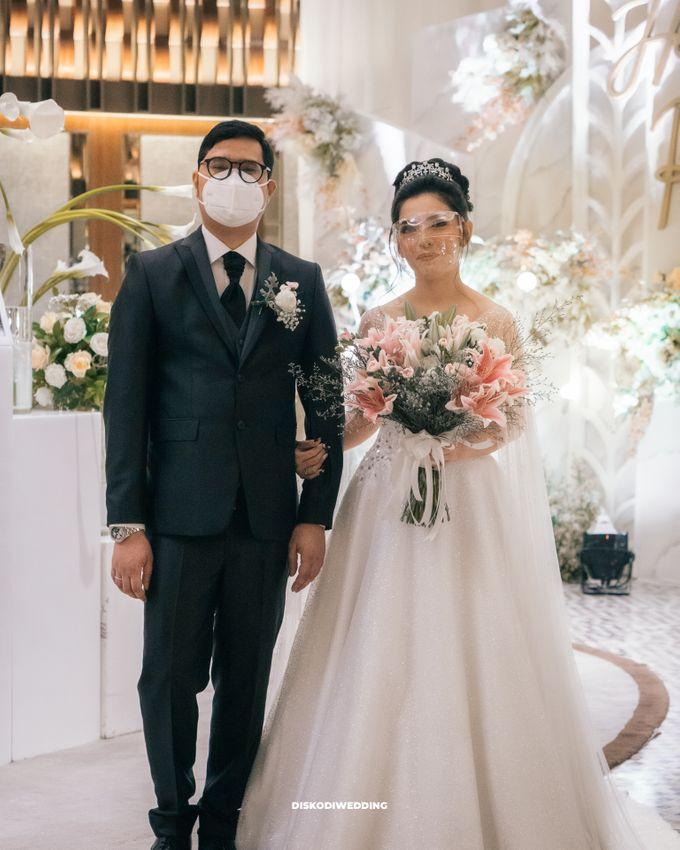 Ayana Jakarta   Intimate Harris & Prisca by diskodiwedding - 012