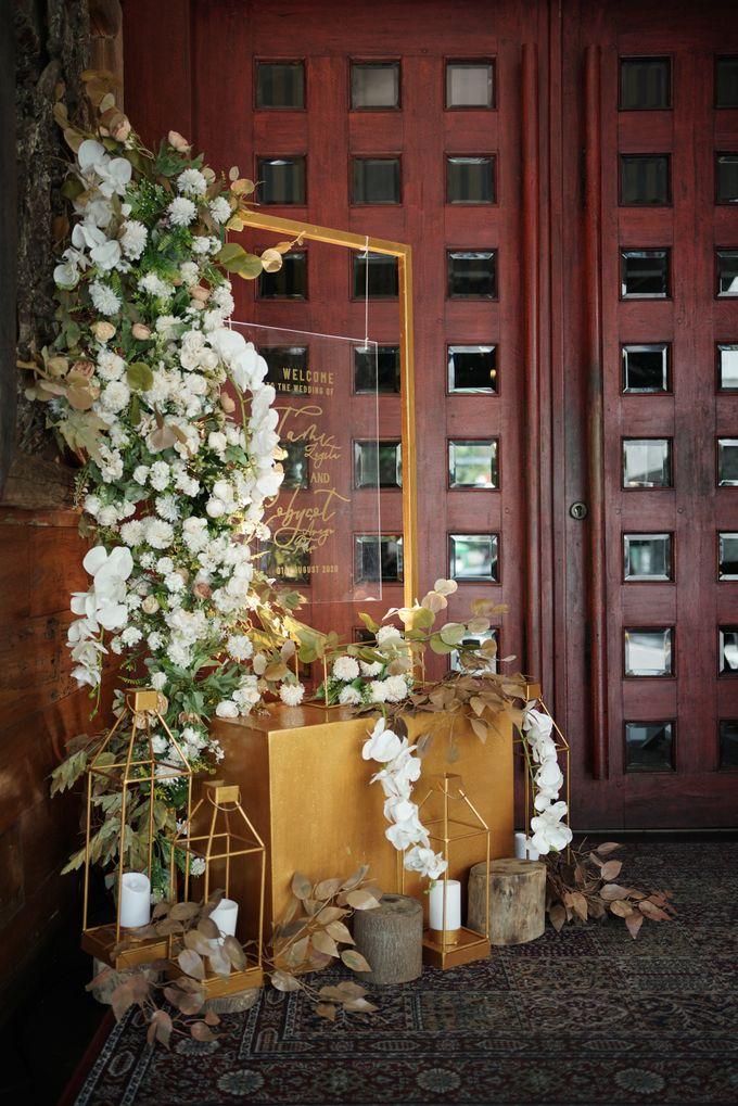 Toby & Tami Wedding At Kembang Goela by Fiori.Co - 009