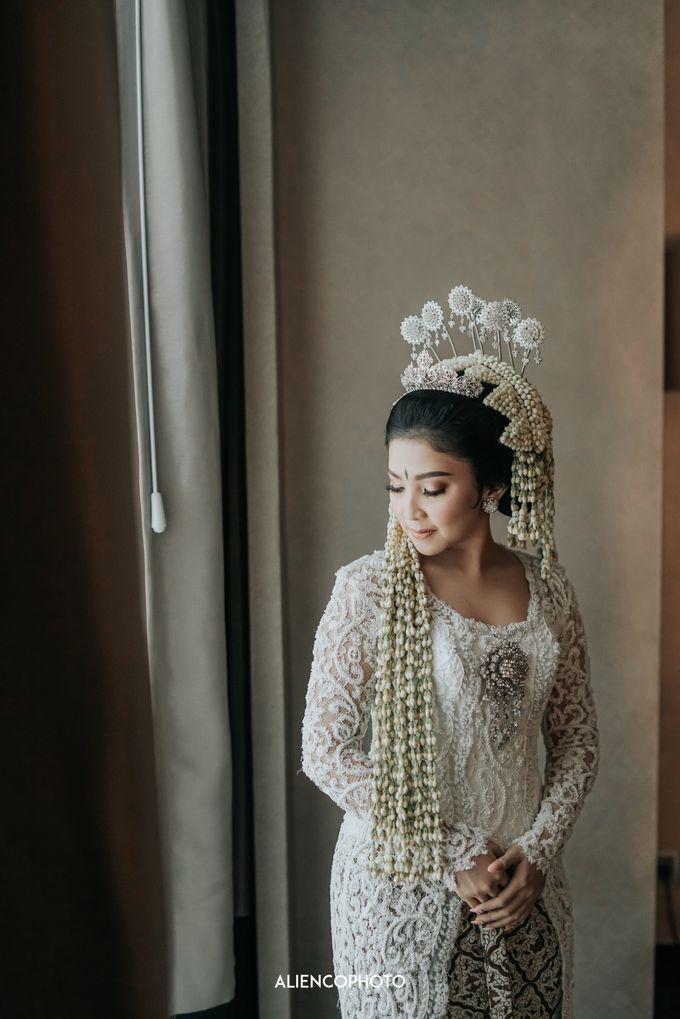GEDUNG ANTAM WEDDING OF WINNIE & ANAS by alienco photography - 046