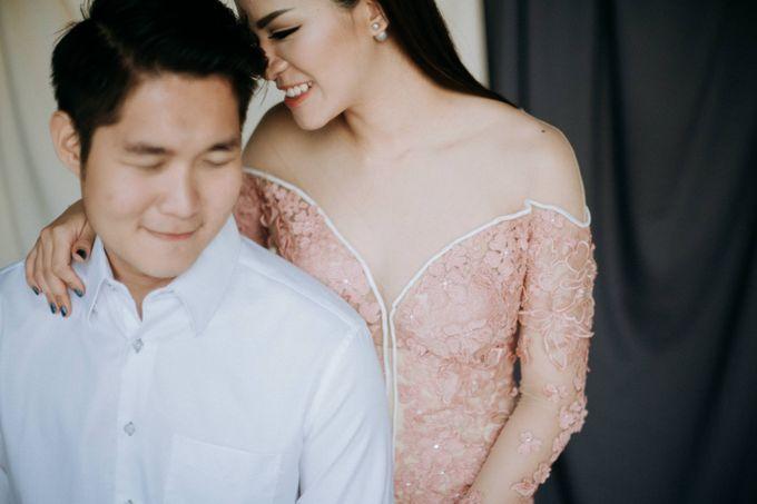 Richard & Rency Engagement Portrait by Keyva Photography - 021