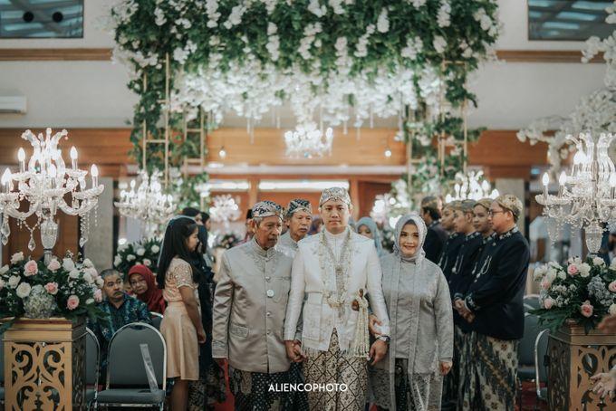 GEDUNG ANTAM WEDDING OF WINNIE & ANAS by alienco photography - 006