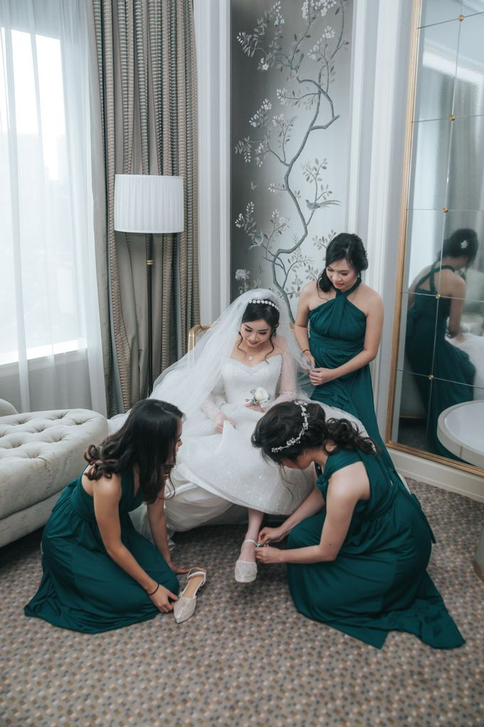 Evelyn & Jossy Wedding Preparation at Four Season Hotel by GoFotoVideo - 036