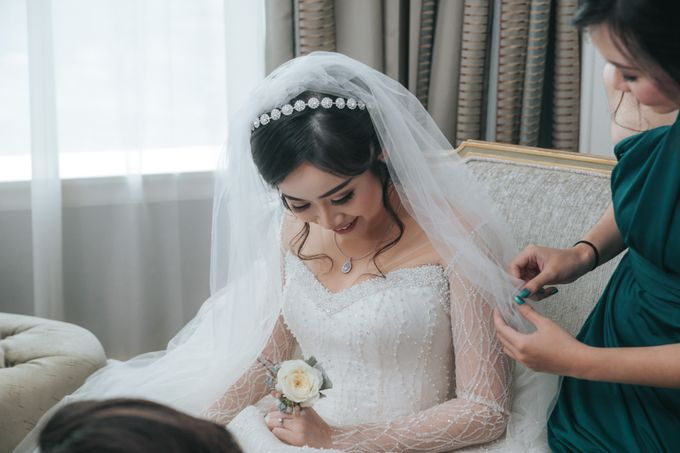 Evelyn & Jossy Wedding Preparation at Four Season Hotel by GoFotoVideo - 037
