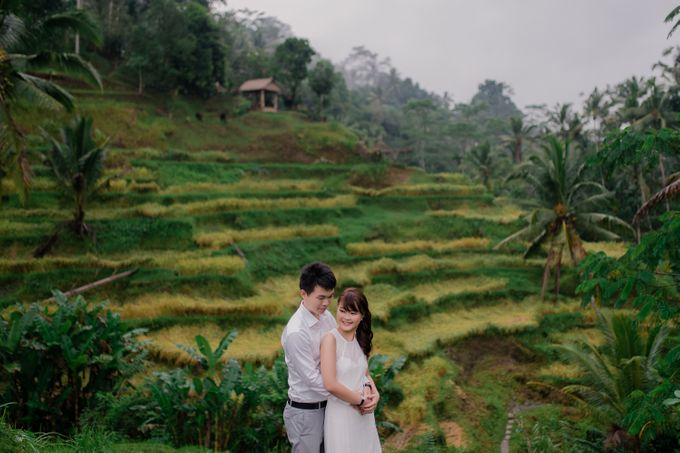 Rain In Nature Bali Engagement by Mariyasa - 010