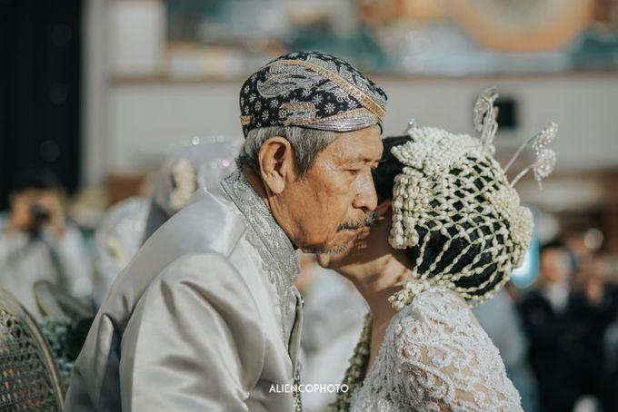 GEDUNG ANTAM WEDDING OF WINNIE & ANAS by alienco photography - 011