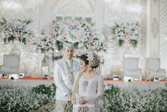 GEDUNG ANTAM WEDDING OF WINNIE & ANAS by alienco photography - 013