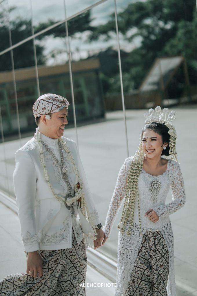 GEDUNG ANTAM WEDDING OF WINNIE & ANAS by alienco photography - 016
