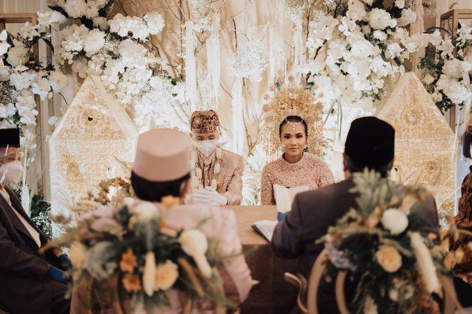 Intimate Traditional Wedding - Anis & Dade by Loka.mata Photography - 003