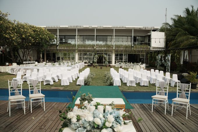 Rendy & Yolan Wedding At Segarra Ancol by Fiori.Co - 009