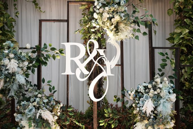 Rendy & Yolan Wedding At Segarra Ancol by Fiori.Co - 002