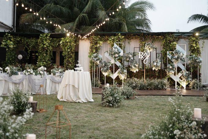 Rendy & Yolan Wedding At Segarra Ancol by Fiori.Co - 003