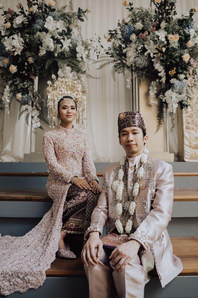 Intimate Traditional Wedding - Anis & Dade by Loka.mata Photography - 005