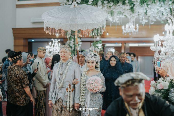 GEDUNG ANTAM WEDDING OF WINNIE & ANAS by alienco photography - 027
