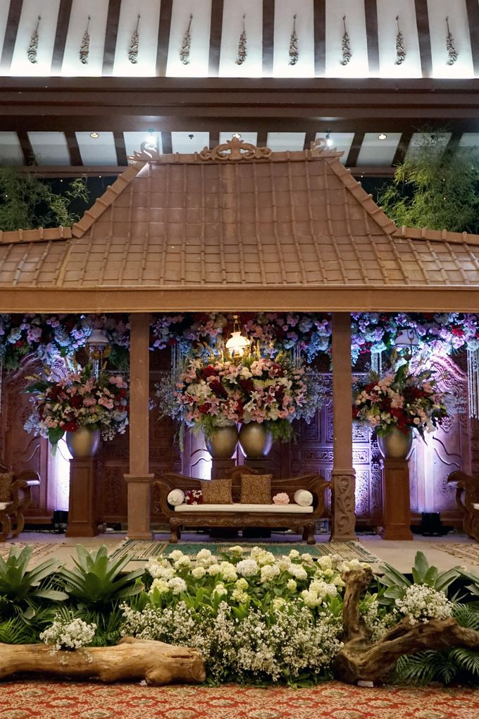 Berti & Silas Decoration by Our Wedding & Event Organizer - 020