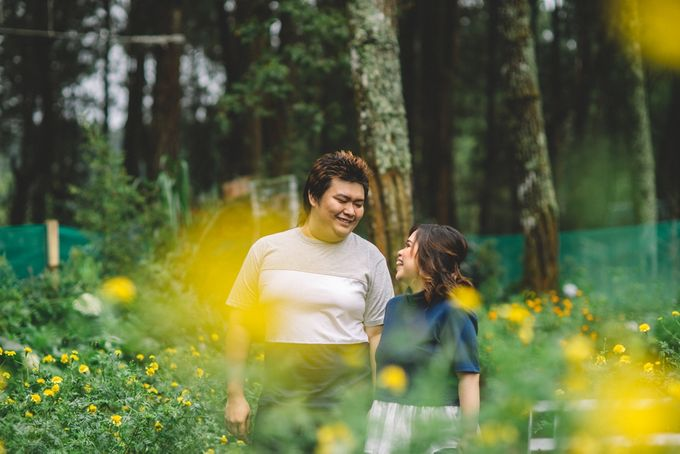 Prewedding Anton & Lina by Cheers Photography - 012
