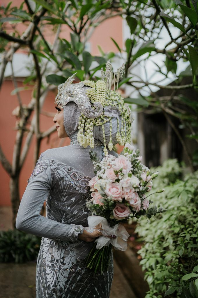 Siger Sunda Berhijab by iir bahari professional makeup and wedding - 010