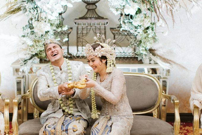 Arman & Alya Traditional Wedding Day by Verakebaya - 007