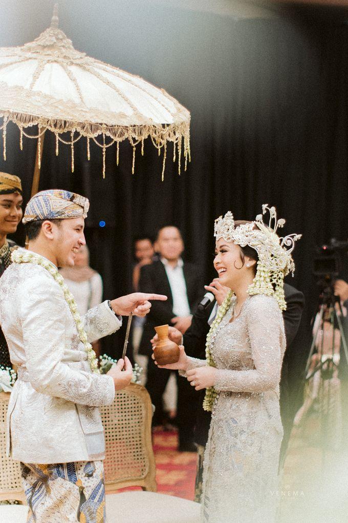 Arman & Alya Traditional Wedding Day by Verakebaya - 009