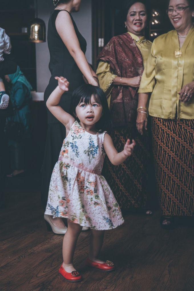 Resepsi Pernikahan Satria & Putri at Hotel Atlet Century by GoFotoVideo - 031