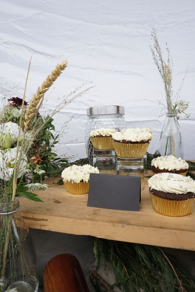 Rustic Dessert Table by Cloud Nine Cakery - 003