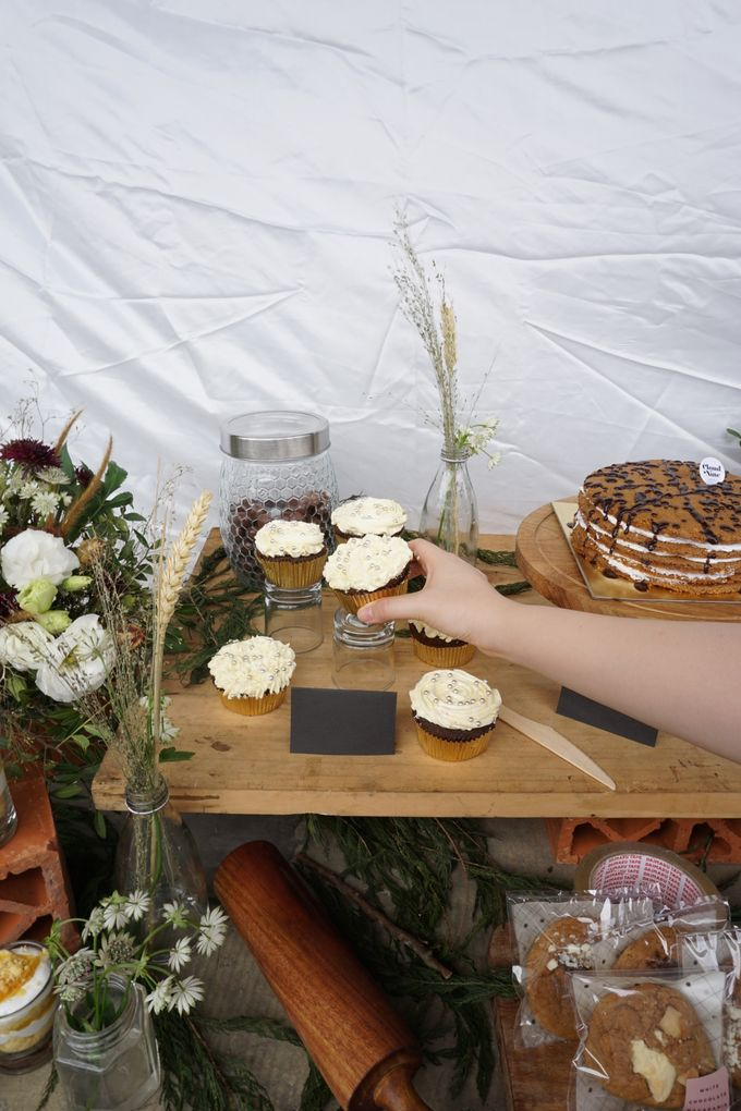 Rustic Dessert Table by Cloud Nine Cakery - 005