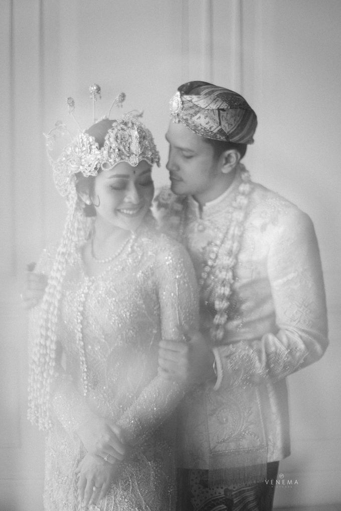 Arman & Alya Traditional Wedding Day by Verakebaya - 012