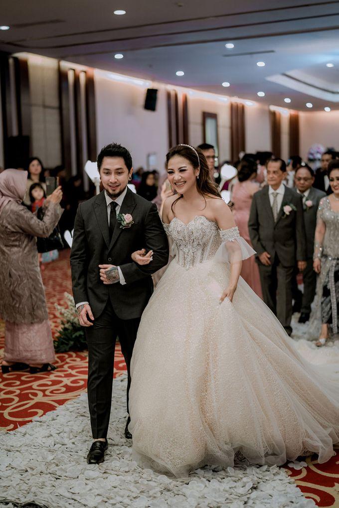 Wedding Day of Vicky & Irindacil by Ricky-L Photo & Bridal  - 001