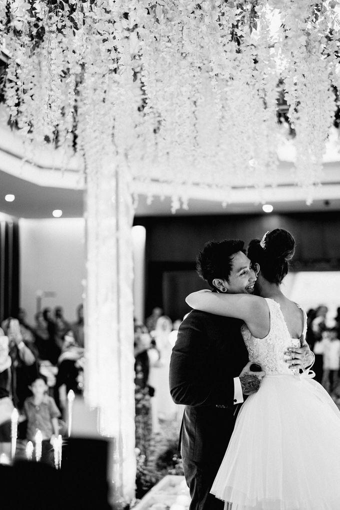 Wedding Day of Vicky & Irindacil by Ricky-L Photo & Bridal  - 002