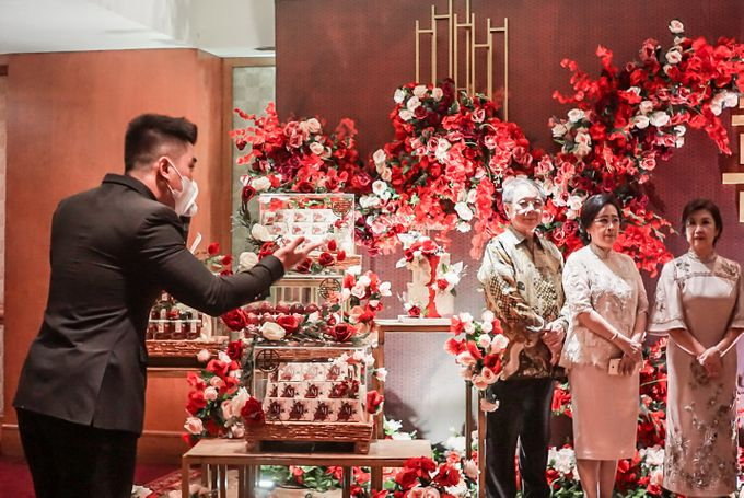 Engagement of ABEL & JACQUELINE by Shangri-La Hotel, Surabaya - 008
