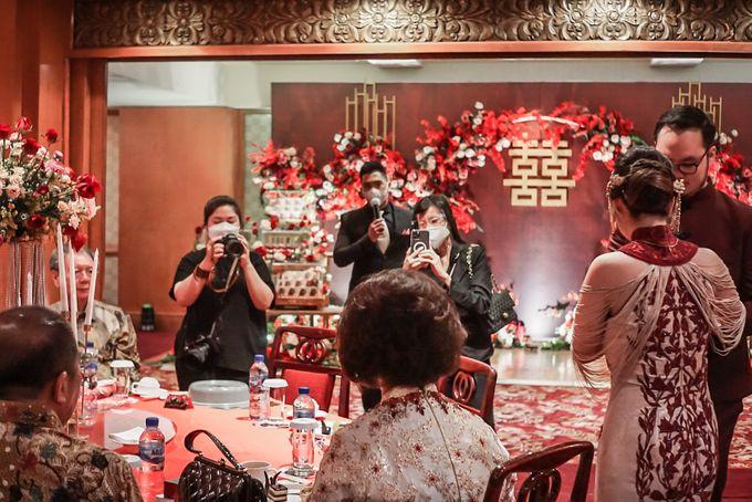 Engagement of ABEL & JACQUELINE by Shangri-La Hotel, Surabaya - 007