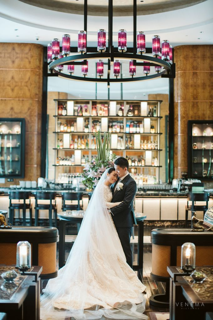 Clean and Elegant Wedding at Ayana MidPlaza by Priscilla Myrna - 002