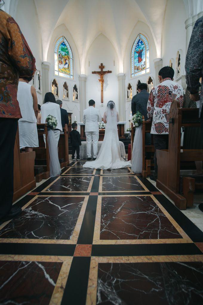 Pemberkatan Oswald & Angel at Gereja Santo Laurensius by GoFotoVideo - 025