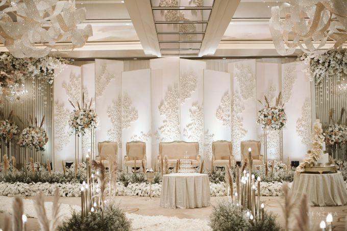 Clean and Elegant Wedding at Ayana MidPlaza by Priscilla Myrna - 011