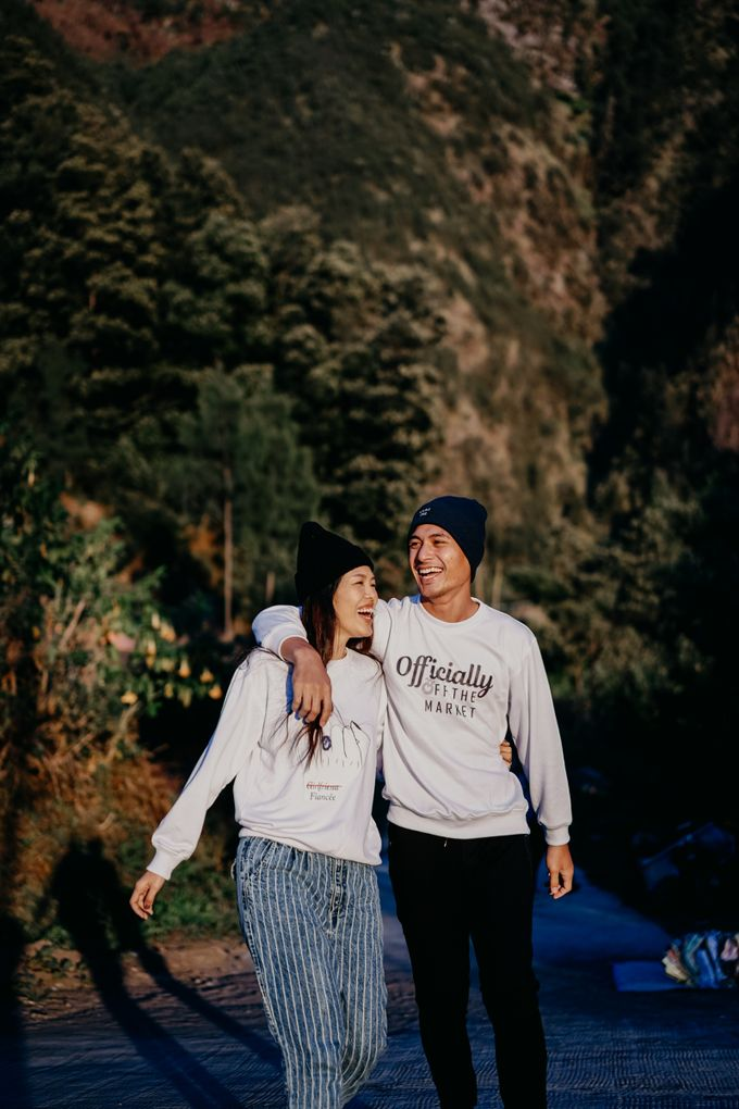 Melinda & Marcell - Bromo Mountain by ELNATH - 004