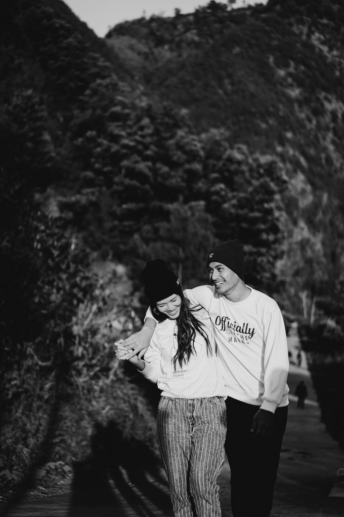 Melinda & Marcell - Bromo Mountain by ELNATH - 006