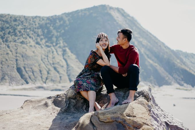Melinda & Marcell - Bromo Mountain by ELNATH - 011