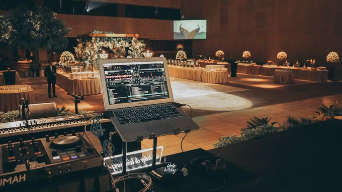 The Ballroom XXI | Vania & Erlangga by diskodiwedding - 014
