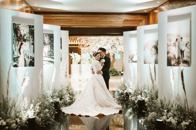 Clean and Elegant Wedding at Ayana MidPlaza by Priscilla Myrna - 006