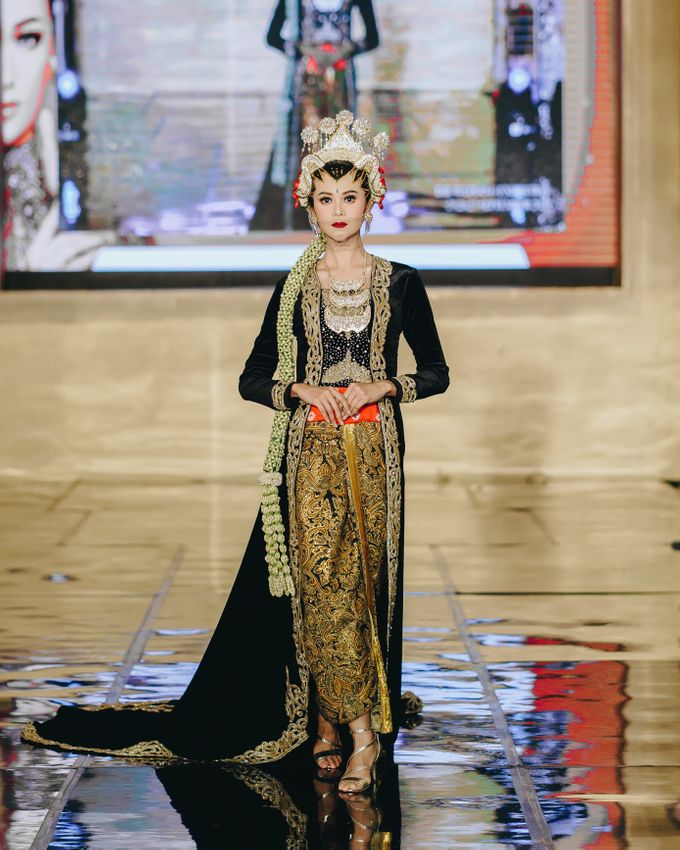 La Novia Fashion Show by Naura Co. - 011