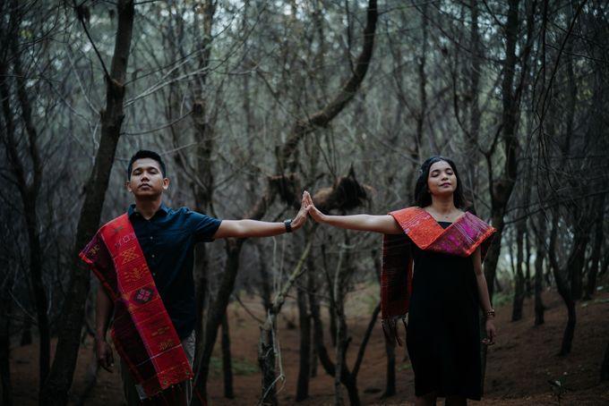Prewedding Sara dan Jonathan by jogjasendu - 017