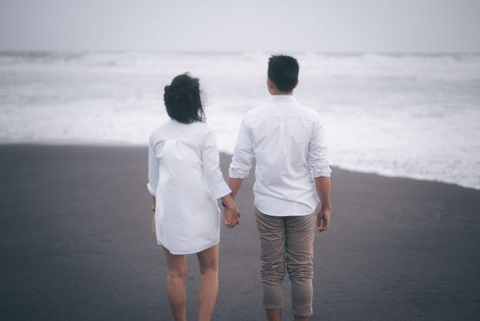 Prewedding Sara dan Jonathan by jogjasendu - 022
